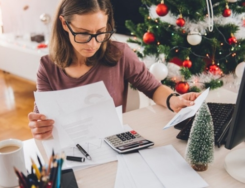 7 Ways to stay out of debt this holiday season